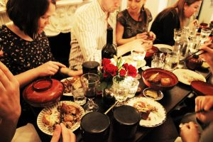 aprire un supper club
